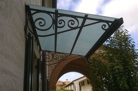 tettoie a sbalzo in ferro top tettoie realizzate in vetro temperato sabbiato con