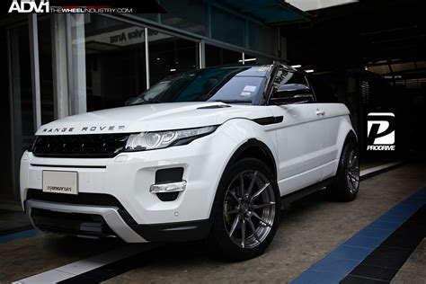land rover evoque black and white range rover evoque white with black wheels www imgkid