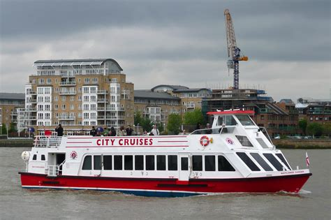 london westminster to greenwich river thames cruise mayflower garden city cruises thames excursion services