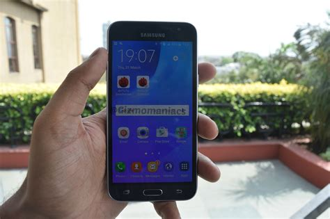 Samsung J3 2015 J3 2016 samsung galaxy j3 2016 with bike mode launched in india