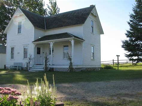 minnesota farmhouse built in 1990 but representative of