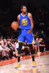 k d kevin durant wearing yellow blue nike kd 9 pe sole collector
