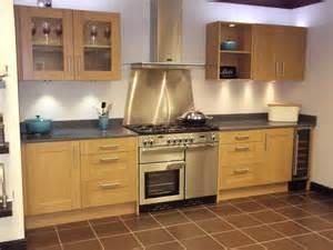 natural oak shaker kitchen best kitchen bathroom tile ideas