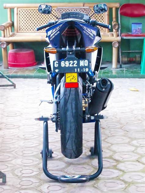 Piringan Belakang R15 yamaha r15 modifikasi warna striping dan tangki ala r6
