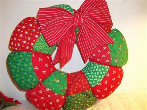 Patchwork Wreath Pattern - vintage wreath fabric patchwork pattern