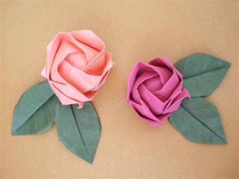 Origami Paper Roses - 38 how to make paper flower tutorials so pretty tip