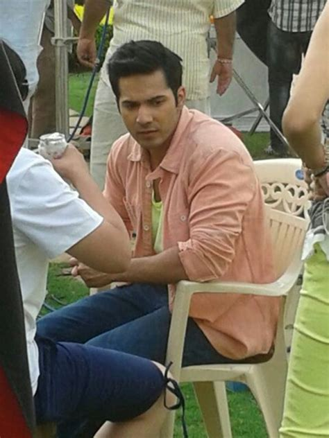 varun dhawan hairstyle in main tera hero on the sets of main tera hero photos