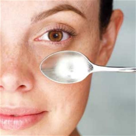 tip to reduce eye bags