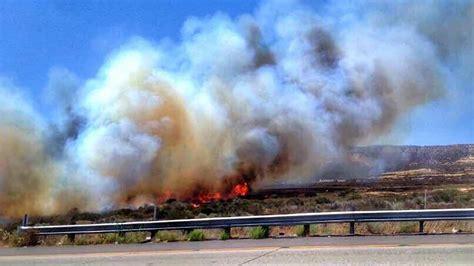 cajon pass fire southern california fire jumps 15 freeway burns dozens of