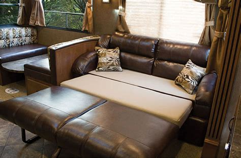 rv dinette booth bed comparison read our review of the 2014 coachmen