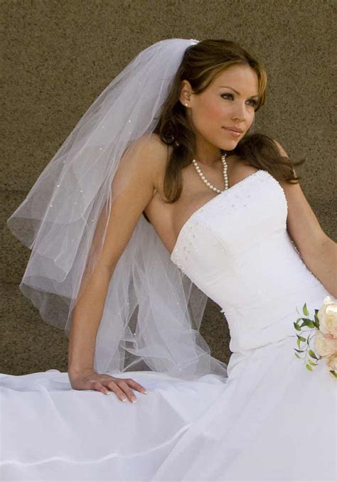Brautfrisuren Mit Schleier by Brautfrisuren Mit Schleier Offene Haare Hochzeitsportal24