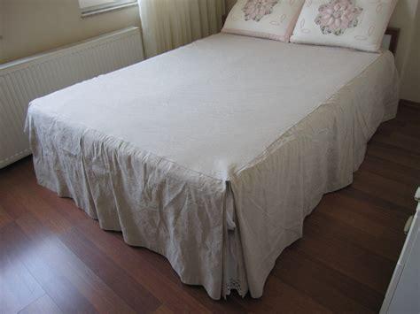 skirted coverlet split corner linen bedspreadbox pleated skirted coverlet 22