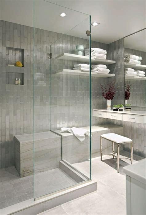 badezimmer glas glasfliesen badezimmer surfinser