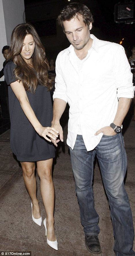 The Beckhams Date With Kate Len by The Beckhams Dine Out Again At S But Posh S Corset