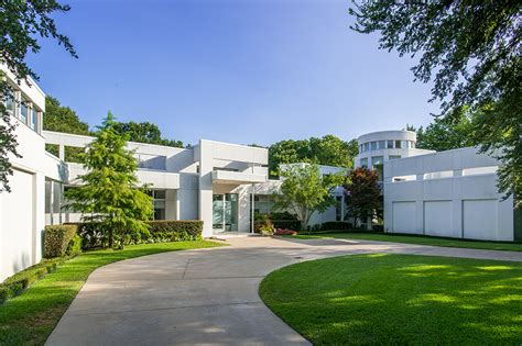 mansion global listing of the day a minimalist sanctuary in dallas