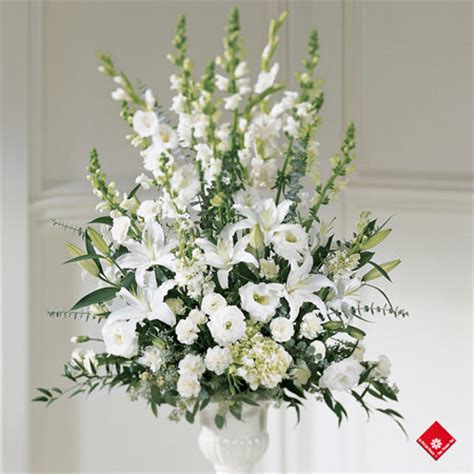 All White Wedding Flower Arrangements by Wedding Flowers In Montreal The Flower Pot