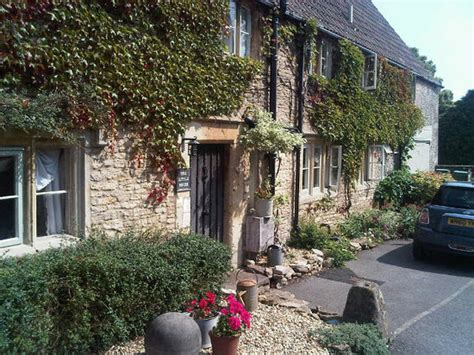 tiny house bnb the little house bed breakfast biddlestone england