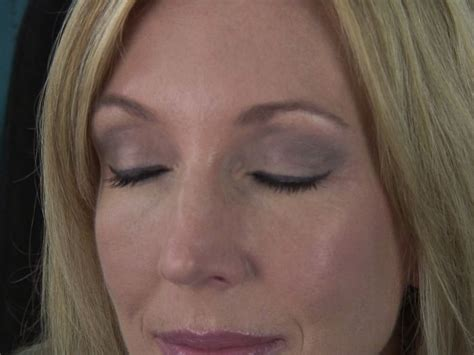 video how to do eye makeup for over 50 ehow pin by winnie green on makeup pinterest