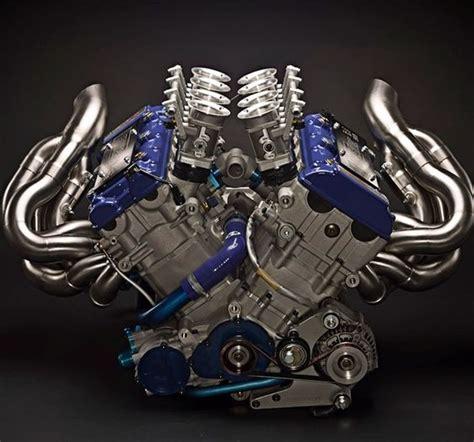 Suzuki Performance 4 Motor Engine On