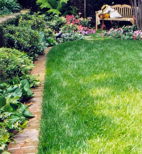 Backyard Edging Ideas 15 Spectacular Yard Landscaping Ideas And Flower Beds With Paver Borders