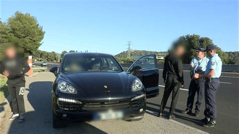 Porsche Cayenne Rs by Megane Rs Gendarmerie Vs Porsche Cayenne Youtube