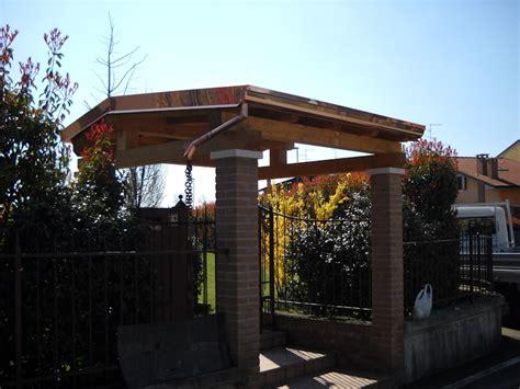 tettoia cancello copertura in legno ingresso pedonale coperture edili e tetti