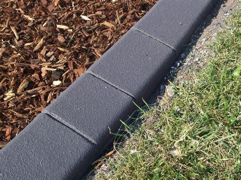 Garden Edging by Simple Garden Edging Tips For Separating Your Garden Area