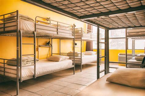 toronto  toronto canada find cheap hostels  rooms  hostelworldcom