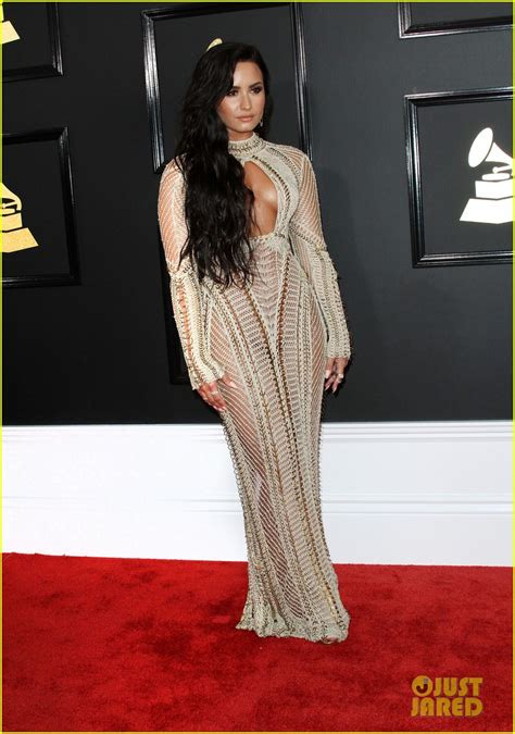 demi lovato grammy awards 2018 demi lovato looks amazing confident at grammys 2017