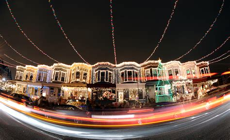 miracle on 34th street lights up baltimore ezstorage