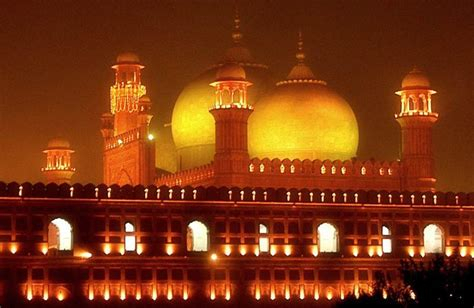 Badshahi Mosque A Photo From Punjab East Trekearth