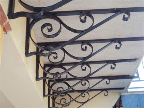 mensole per balconi divisori in ferro battuto profilati alluminio