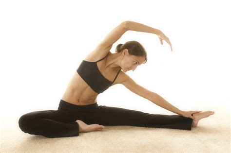yoga un estilo de 10 exercices de pil 226 tes 224 faire chez soi