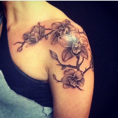 tattoo pain on upper shoulder best 25 front shoulder tattoos ideas on pinterest upper