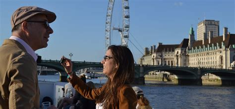 thames river cruise sundowner a sundowner cruise for two on the thames experience days