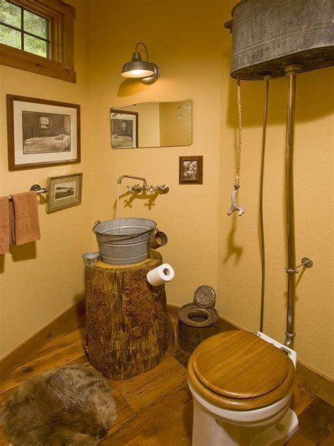 outhouse bathroom ideas oltre 1000 idee su outhouse bathroom decor su