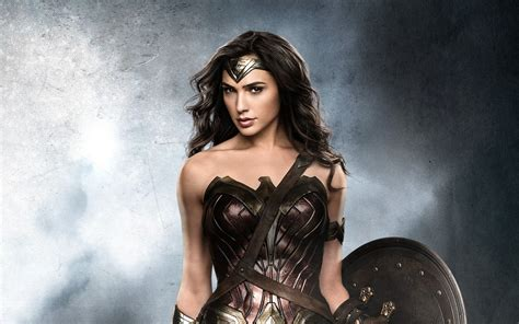 gal gadot di film batman vs superman wallpaper wonder woman gal gadot batman v superman
