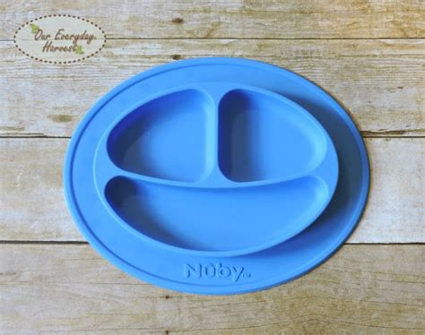 Nuby Sure Grip Miracle Mat Silicone Section Plate Piring Partisi Bayi 9 keeping meals on the table with the nuby sure grip miracle mat section plate our everyday harvest