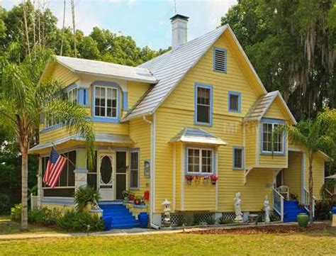 color and print cottage in florida house