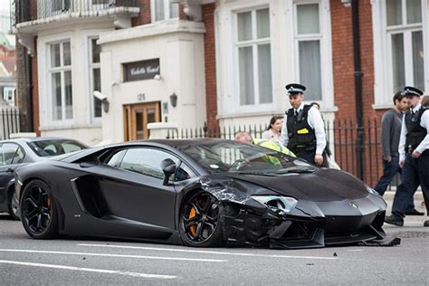Lamborghini Youtube Crash by Lamborghini Aventador Crashes In Monaco Youtube Autos Post