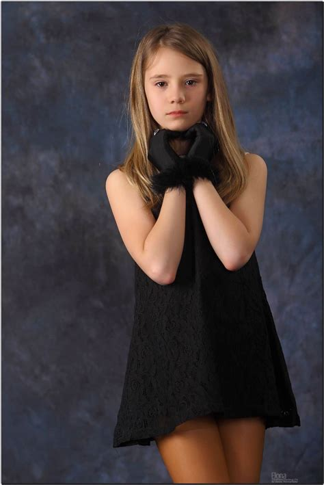 tiny model elona v teen modeling tv elona dark brown hairs