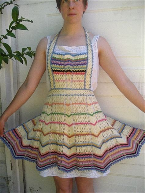 pattern for knitted apron 90 best crochet apron images on pinterest crochet ideas