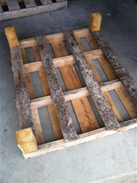 Skid Patio Furniture Coffee Table Out Of Pallets Diy