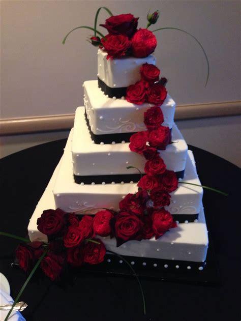 Wedding Cakes Mesa Az by Black White Wedding Cake With Roses Wedding Cakes