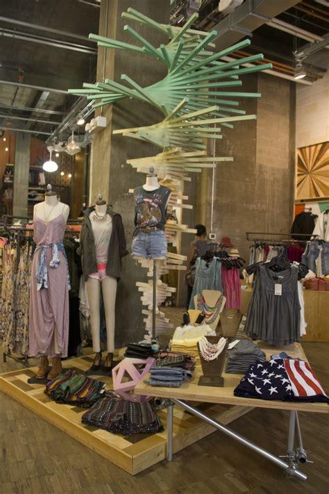 store layout design visual merchandising 15 best urban outfitters visual merchandising store design