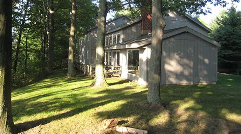 cottage rental michigan fernwood lake michigan cottage rentals