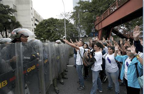 imagenes de protestas en venezuela hoy gobierno venezolano niega haber consumado un golpe de