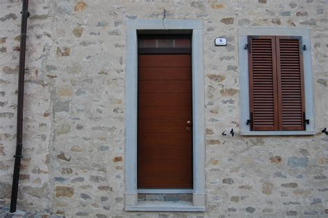 cornici per porte cornici in pietra per porte interne con murature in pietra