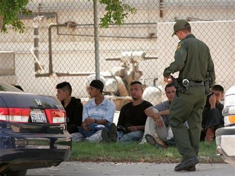 Border Patrol Background Check Border Patrol Agents Arrest Previously Deported Killer