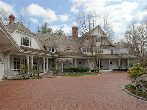 howard selling his connecticut home on